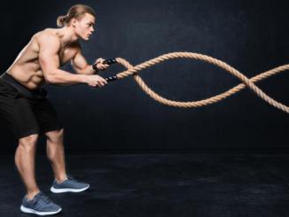 Beitragsbild Mann mit Battle Rope