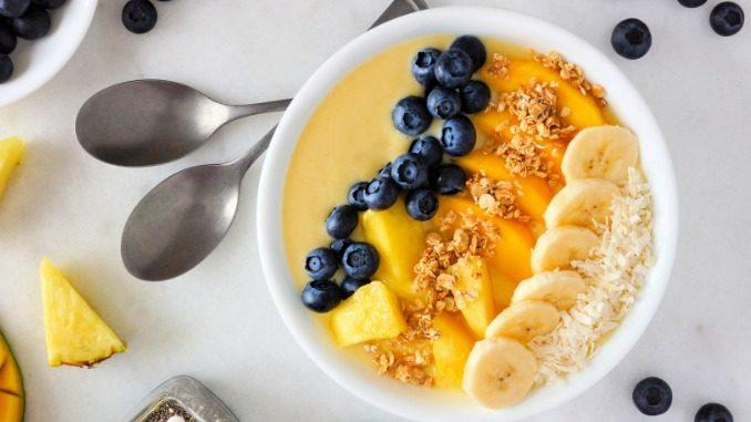 Smoothie Bowl mit Mango - Rezepte