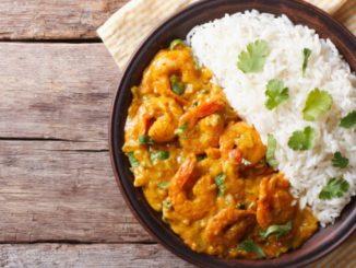 Reis Curry mit Garnelen
